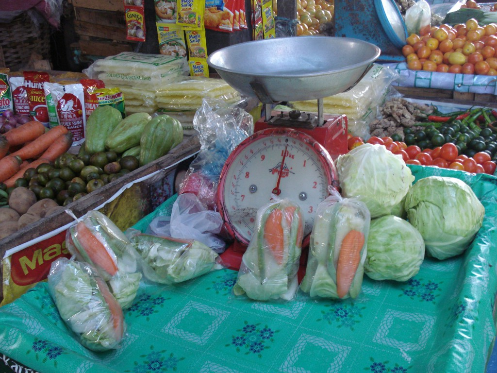 Single meal portions of vegetables, Cabatuan market, Iloilo February 2009