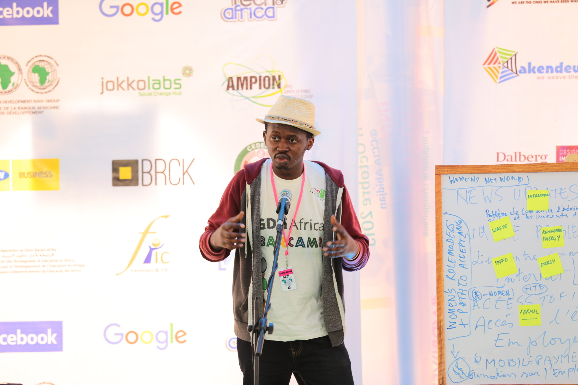 Bacely Yorobi shares challenges at the AfDB Innovation Weekend, Oct 2015 Photo: Niti Bhan
